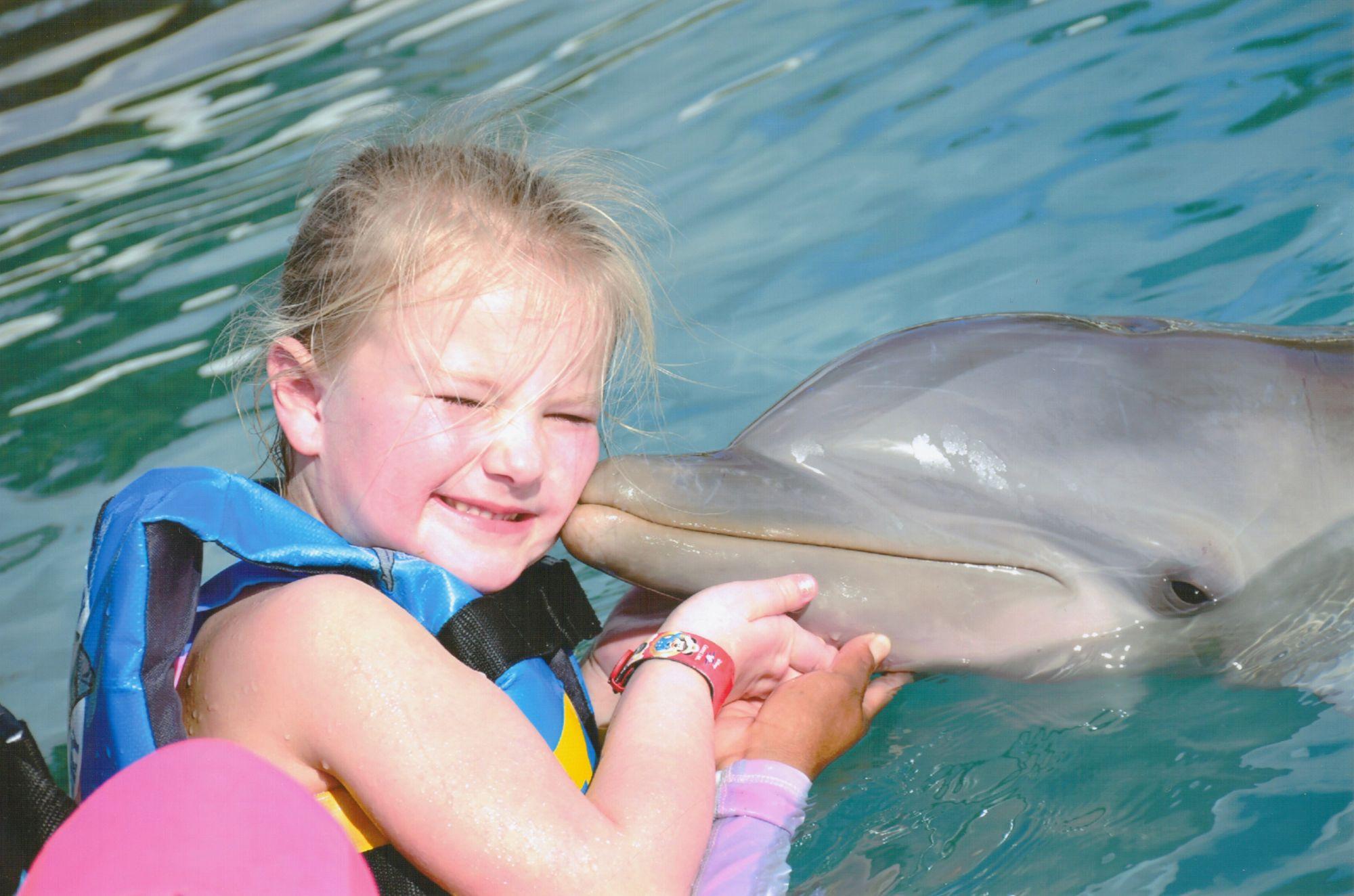 emma-dolphin